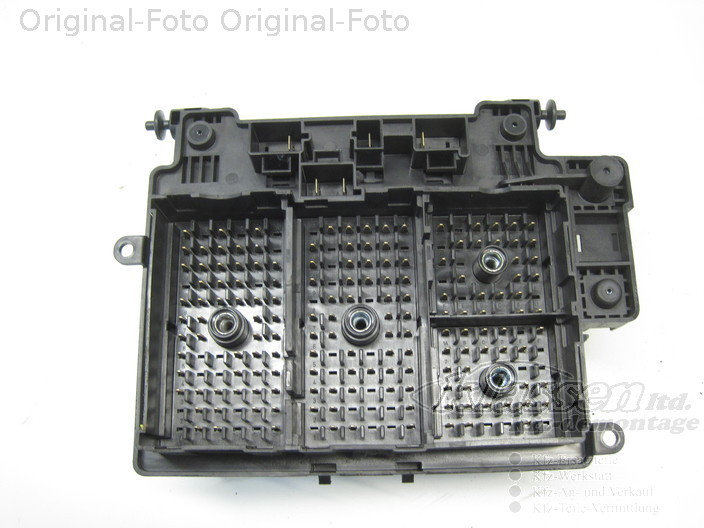 fuse box chevrolet tahoe b2w 5 3 v8 12 99 12 06 12193645 2006 GMC Yukon Fuse Box Diagram Nissan Altima Fuse Box Diagram